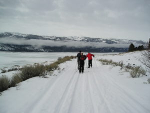 Cross-country Skiing at Cascade Lake